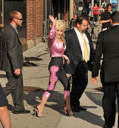 """Dolly Parton - Visits """"Late Show with David Letterman"""" in NYC"""