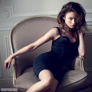 Olga Kurylenko sexy Complex