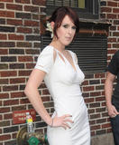 th_87591_celebrity-paradise.com-The_Elder-Rumer_Willis_2009-08-31_-_At_The_Late_Show_with_David_Letterman_973_122_193lo.jpg