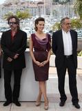 Канны (Annual Cannes International Film Festival ) - Страница 2 Th_71134_Celebutopia_KateBeckinsale_PhotocallfortheJuryatthe63rdAnnualCannesFilmFestival_09_122_206lo