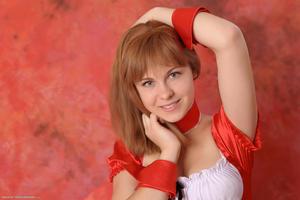 http://img267.imagevenue.com/loc234/th_829739204_tduid300163_Silver_Sandrinya_maid_2_119_122_234lo.JPG