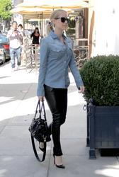Кристин Каваллари Кавалери, фото 4682. Kristin Cavallari Cavalleri - Arriving to Jose Eber salon - Beverly Hills - 18/02/12, foto 4682