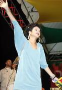 Rihanna in sexy legs and gorgeous Performs at Hope for Haiti in London - Jan 22 Foto 1743 (Рианна в сексуальных ног и великолепный выступает на Надежда на Гаити в Лондоне - 22 января Фото 1743)