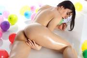 http://img267.imagevenue.com/loc380/th_835296912_fronti77_123_380lo.jpg