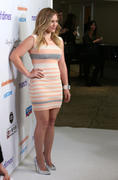 http://img267.imagevenue.com/loc453/th_050936463_Hilary_Duff_Annual_March_of_Dimes_Celebration_of_Babies20_122_453lo.jpg