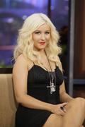http://img267.imagevenue.com/loc484/th_062195513_Christina_Aguilera_At_Tonight_Show_with_Jay_Leno1_122_484lo.jpg